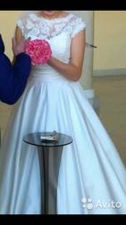Продам свадебное платье. Размер 42-44